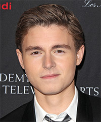 Callan McAuliffe Hairstyle - click to view hairstyle information