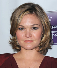 Julia Stiles - Short Straight