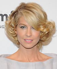 Jenna Elfman Short Curly Formal