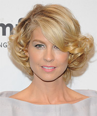 Jenna Elfman - Curly