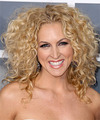 Kimberly Schlapman Hairstyle