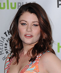 Emilie de Ravin Hairstyle - click to view hairstyle information