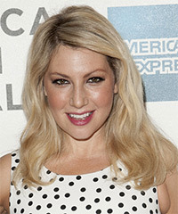 Ari Graynor Hairstyle - click to view hairstyle information