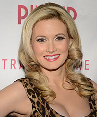 Holly Madison Hairstyle - click to view hairstyle information