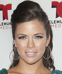 Ximena Duque Hairstyle - click to view hairstyle information