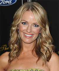 Brooke Anderson Hairstyle - click to view hairstyle information