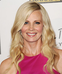Monica Potter Hairstyle - click to view hairstyle information