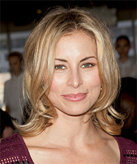 Niki Taylor Hairstyle - click to view hairstyle information