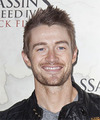 Robert Buckley Hairstyle