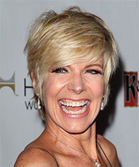 Debby Boone - Short Straight Casual