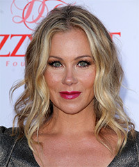 Christina Applegate - Medium Wavy