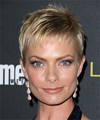 Jaime Pressly - Short Straight Formal