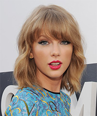Taylor Swift - Medium Wavy Casual