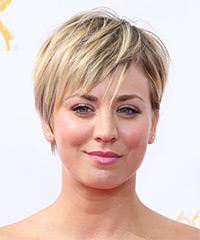Kaley Cuoco - Short