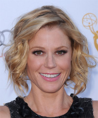 Julie Bowen - Medium Wavy Casual