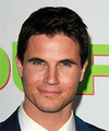 Robbie Amell Hairstyles