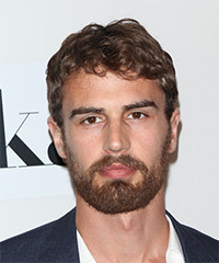Theo James - Short