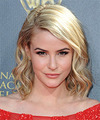 Linsey Godfrey Hairstyles