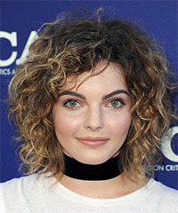 Camren Bicondova - Medium Curly