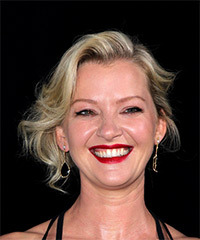 Gretchen Mol - Medium Wavy