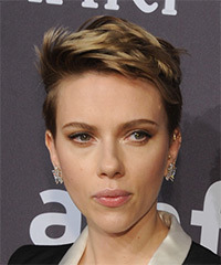 Scarlett Johansson Chic - Short Straight