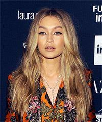 Gigi Hadid Long Wavy Casual