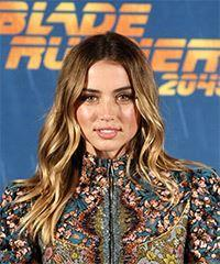 Ana De Armas Long Wavy Casual