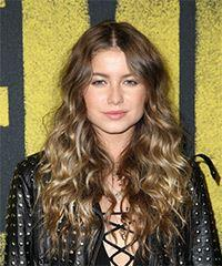 Sofia Reyes Long Curly Casual  - Light Brunette