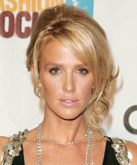 Poppy Montgomery Hairstyle - click to view hairstyle information
