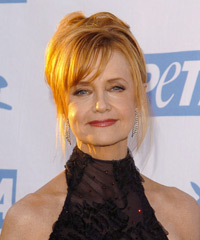 Swoosie Kurtz Hairstyle - click to view hairstyle information