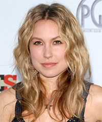 Sarah Carter Hairstyle - click to view hairstyle information