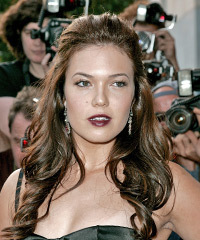 Mandy Moore Hairstyle - click to view hairstyle information