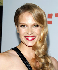 Vinessa Shaw Hairstyle - click to view hairstyle information