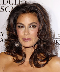 Teri Hatcher - Long Curly