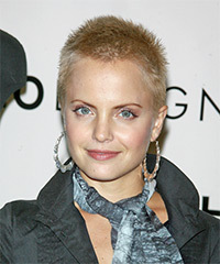 Mena Suvari - Short Straight