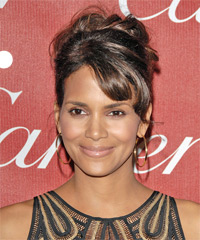 Halle Berry - Curly Wedding
