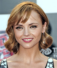 Christina Ricci - Medium Wavy