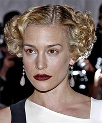 Piper Perabo Short Curly Formal