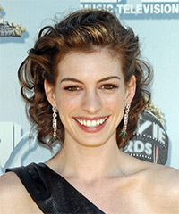 Anne Hathaway - Updo Medium Wedding