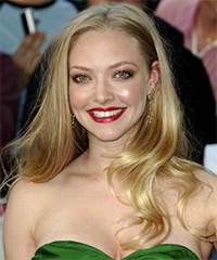 Amanda Seyfried Long Wavy Casual