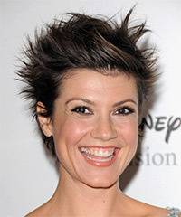Zoe McLellan Hairstyle - click to view hairstyle information