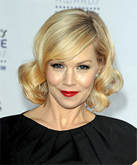 Jennie Garth Hairstyle - click to view hairstyle information