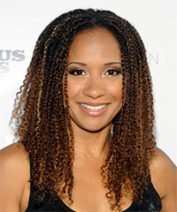 Tracie Thoms Hairstyle - click to view hairstyle information