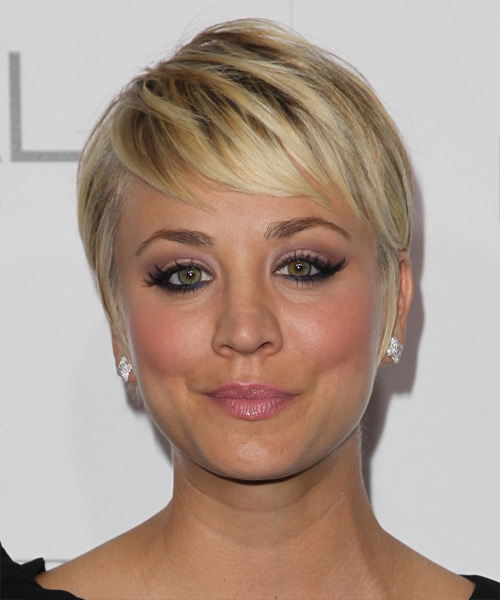 Kaley Cuoco Short Straight Formal Hairstyle Golden