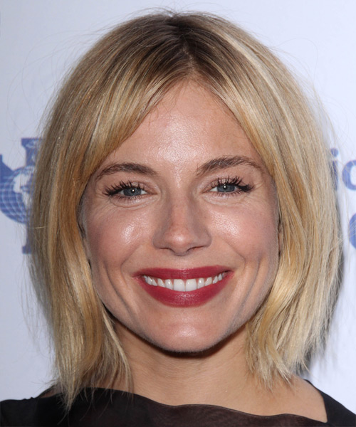 Sienna Miller Medium Straight Casual   Hairstyle   - Light Blonde