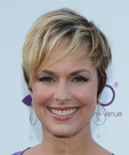 Melora Hardin Short Straight Casual    Hairstyle   -  Blonde Hair Color