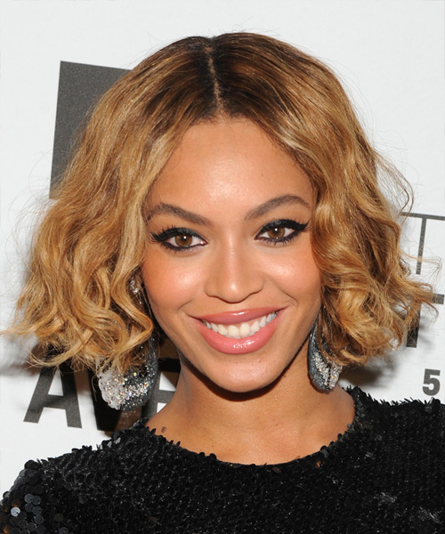 beyonce knowles short wavy light golden brunette bob haircut