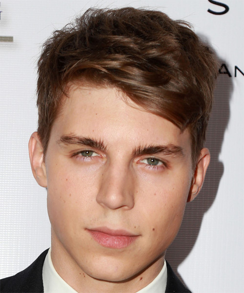 Nolan Gerard Funk Hairstyles Hair Cuts And Colors