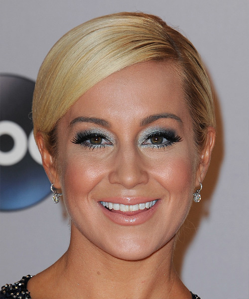 Kellie Pickler Short Straight Formal    Hairstyle   -  Golden Blonde Hair Color