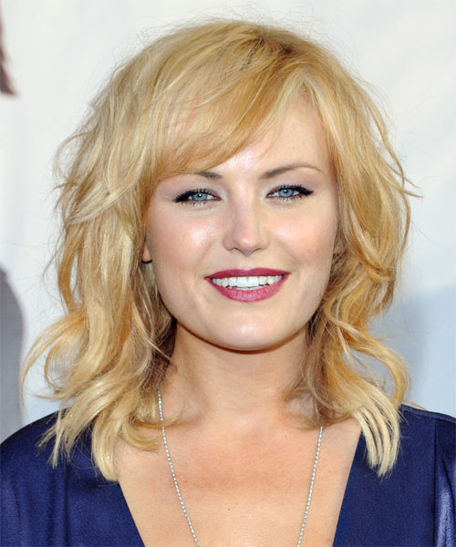Malin Akerman. Medium Wavy Casual   Hairstyle with Side Swept Bangs  - Light Blonde (Golden)